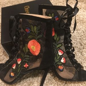Chase and Chloe floral bootie